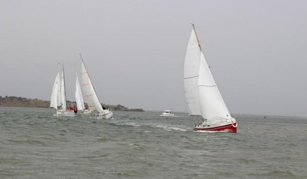 30/03/2014 : Quatorze bateaux pour un tour des îles dans la marinasse.
