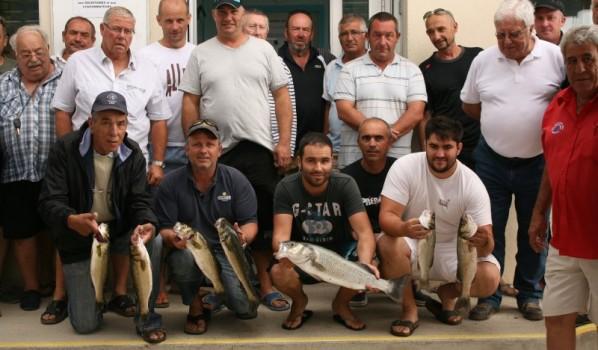 Une prise de 2,8 kg au concours de pêche au loup de la Nautique